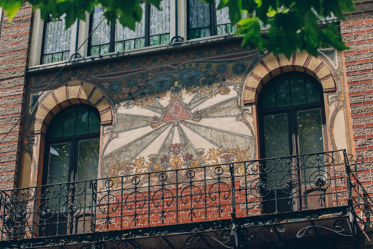 Family tour - facades and their hidden treasures