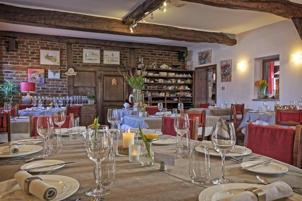 Restaurant-le-Vercoquin-Salle1