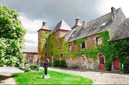 Ferme-château de Petit-Leez