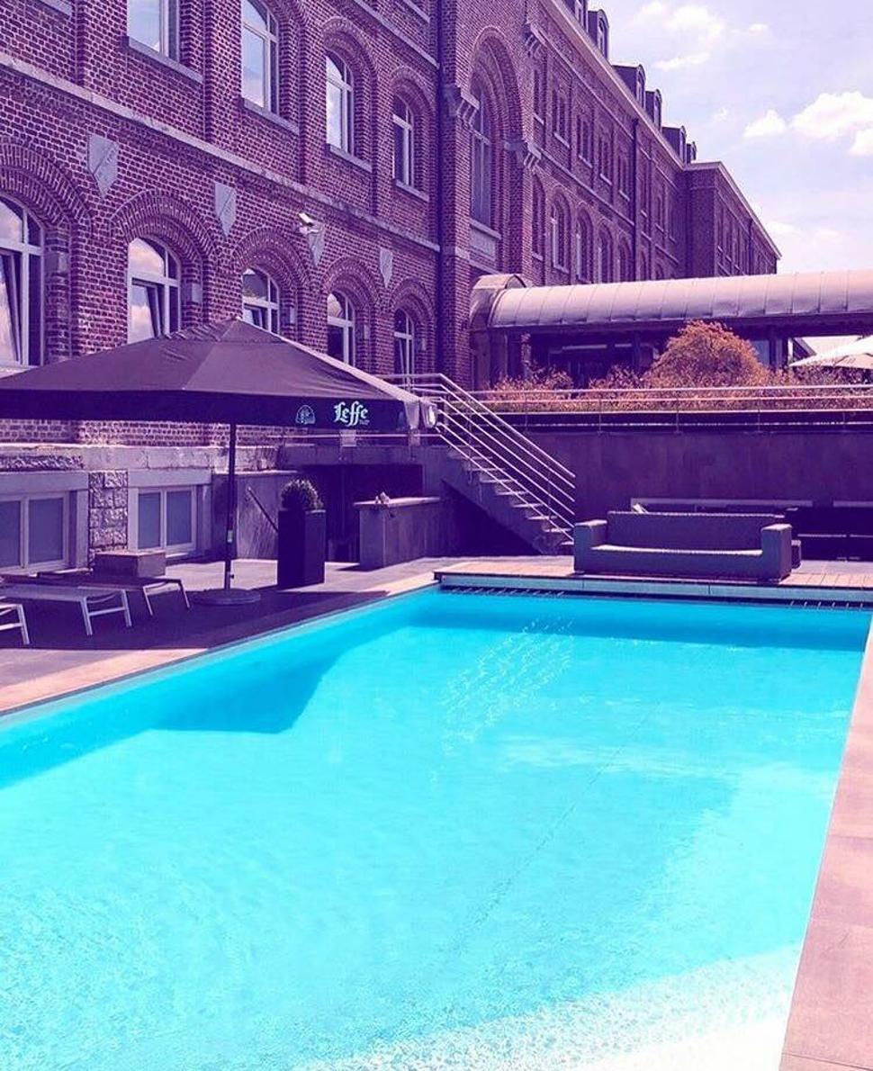 Centre Wellness & Beauty - Hotel Verviers Van der Valk - Piscine extérieure