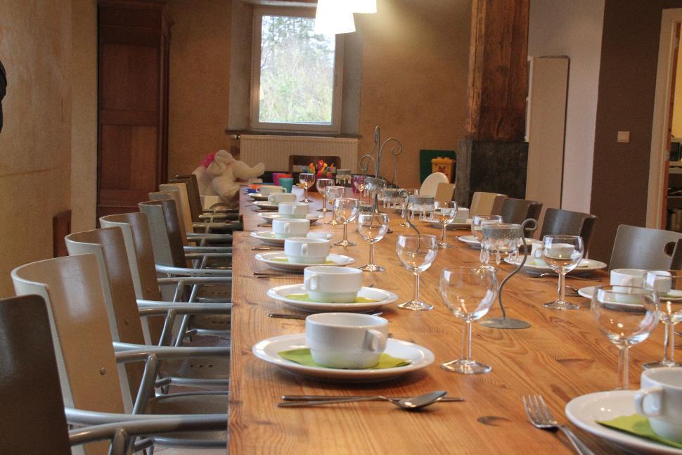 Ferme Margo Pyrus - table