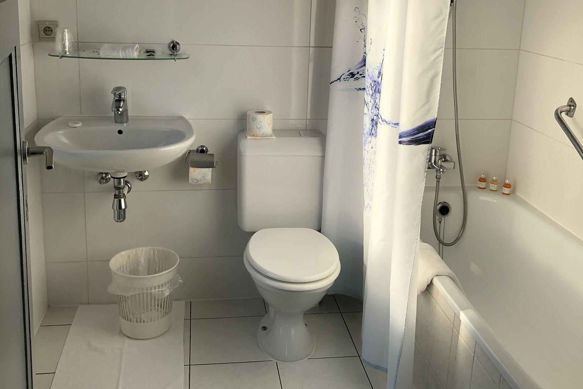 Liege Hôtel Eurotel - Chambre - Salle de bain - Baignoire