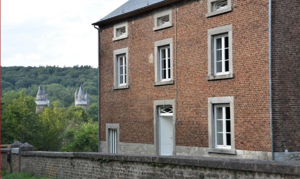Au Sansonnet façade