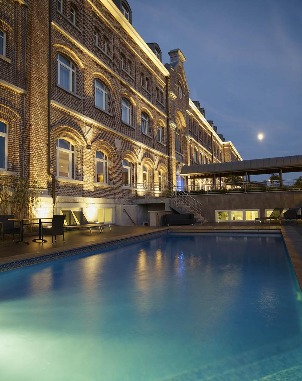 Hôtel Van Der Valk Verviers - Extérieur - Piscine - Nuit