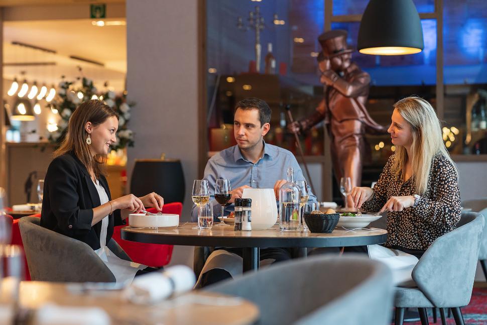 Hôtel Verviers Van der Valk - Restaurant - Salle - Table - Repas