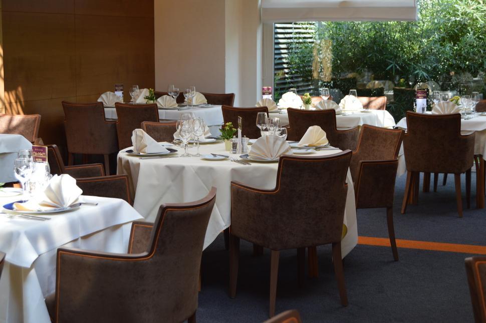Rsz_restaurant