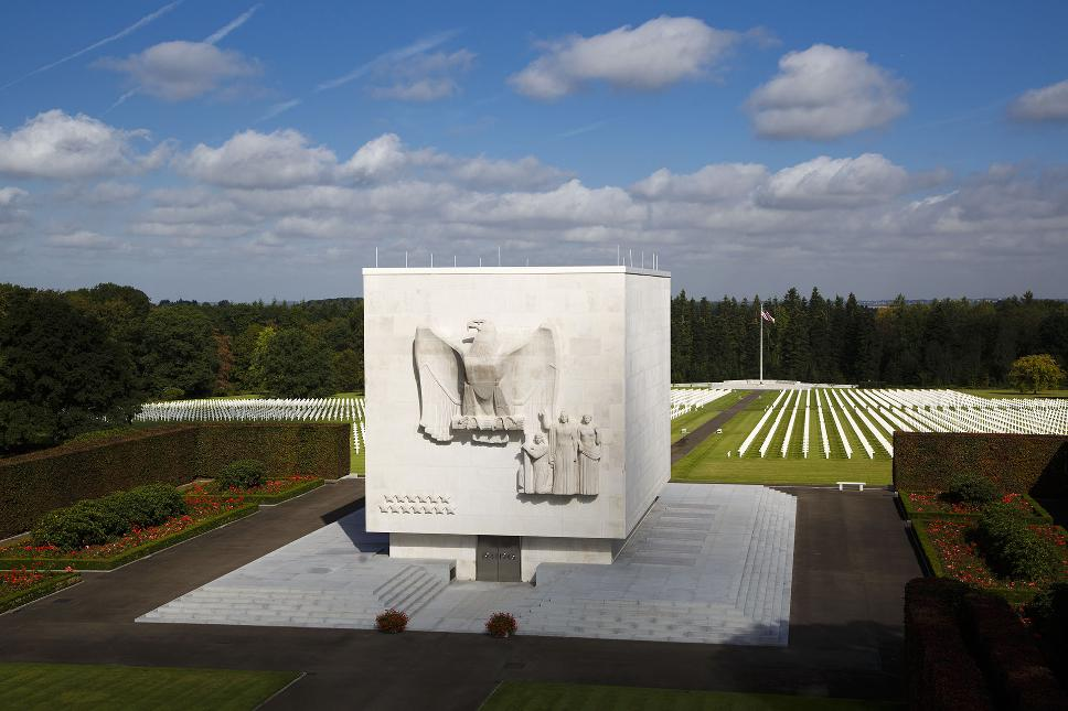 Ardennes American Cemetery Henri-Chapelle - Monument